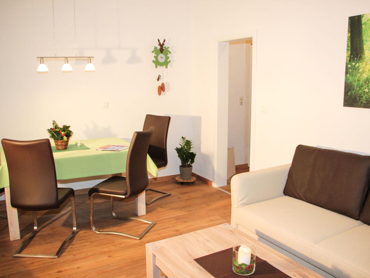 Ferienwohnung todtnau silberbergblick schwarzwald firma for Wohnzimmer mit esstisch