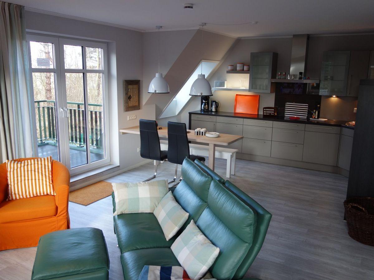ferienwohnung paul whg 10 wyk auf f hr firma vermittlung von ferienobjekten frau. Black Bedroom Furniture Sets. Home Design Ideas
