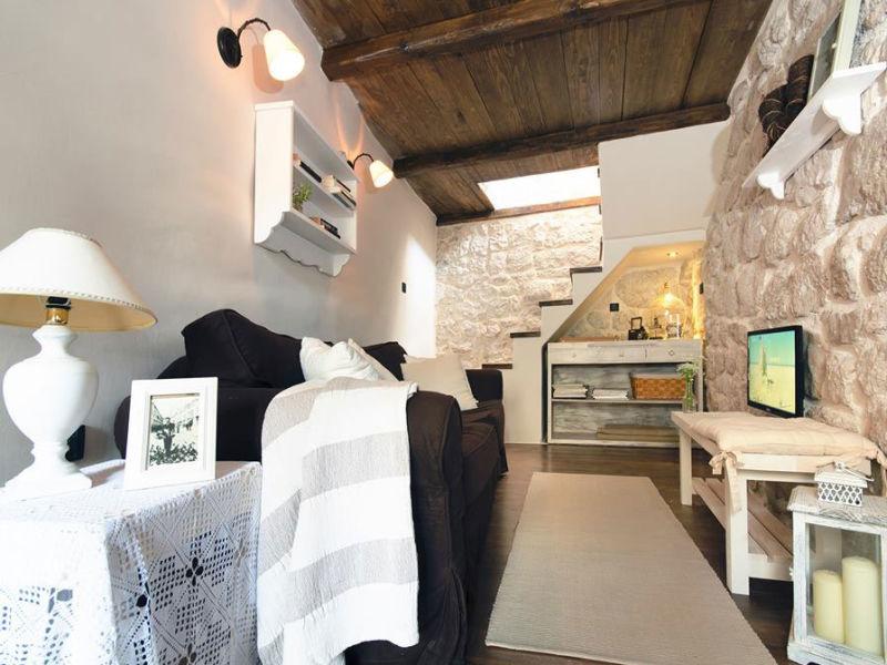 Apartment Bast