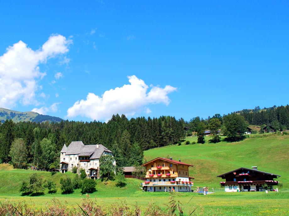 Bauernhaus mit Schloss Einödberg