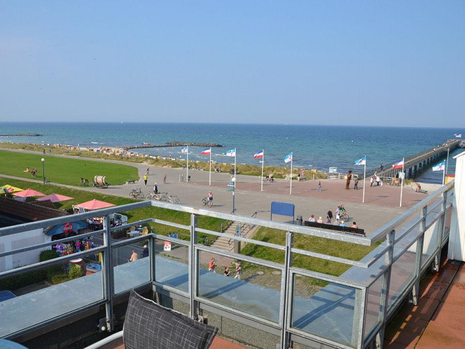 Dachterrasse mit Blick auf die Ostsee