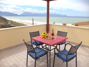 Ferienwohnung Nr. 8 Residence Valentina Balestrate mit Pool am Meer