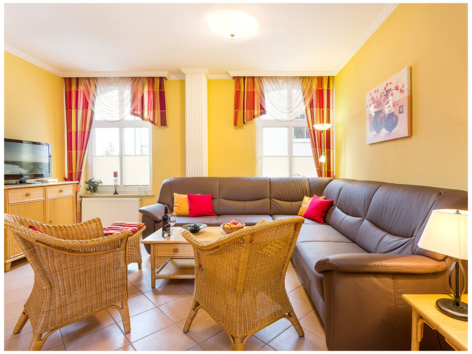 Das Wohnzimmer mit sehr bequemer Sitzlandschaft.