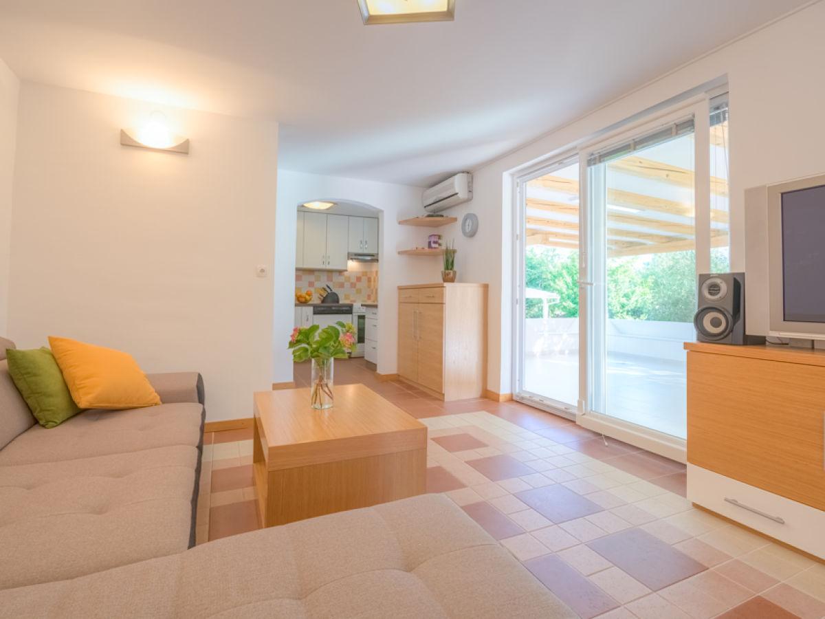 villa swiss 4 krk kvarner bucht firma my istria. Black Bedroom Furniture Sets. Home Design Ideas