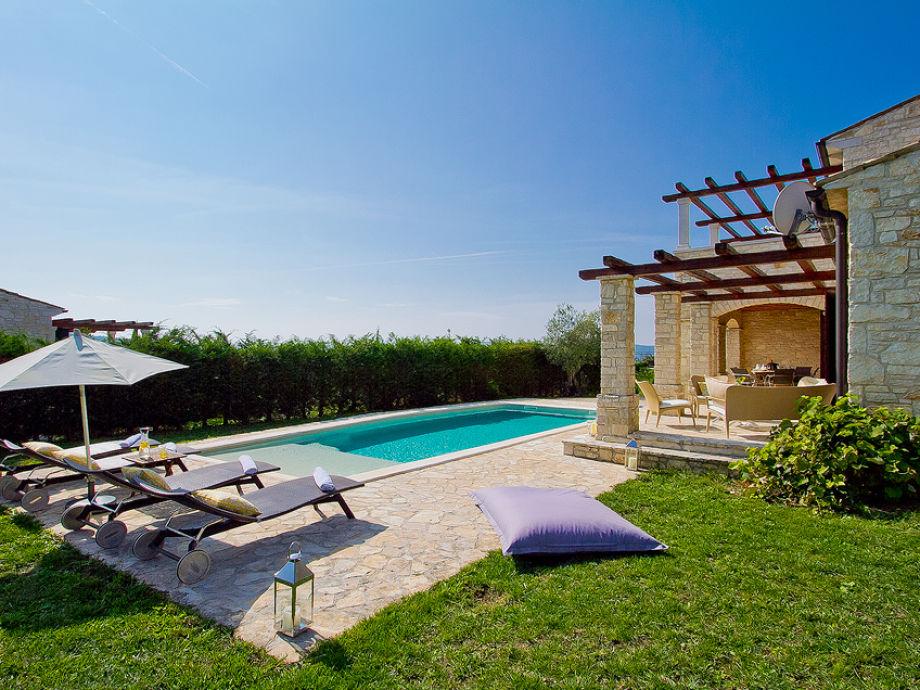 villa livia buzet zentralistrien firma my istria. Black Bedroom Furniture Sets. Home Design Ideas