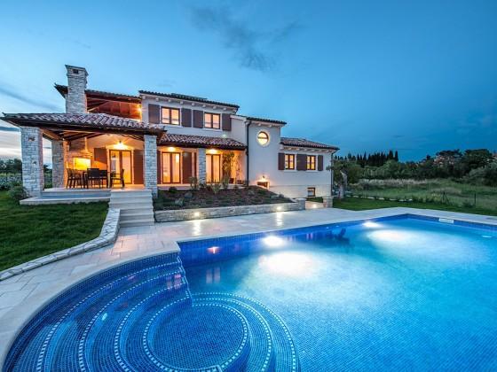 Villa de flora fazana istrien firma my istria for Kroatien villa mit pool