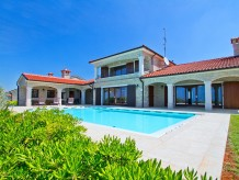 Villa Kastelir