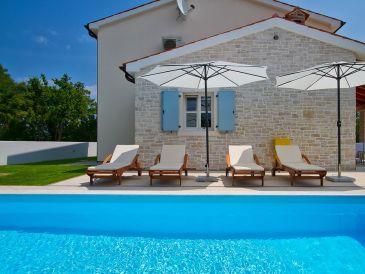 Villa Azura