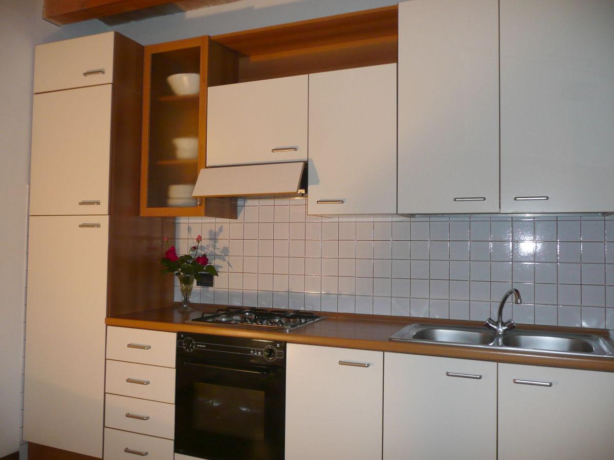 bauernhof corte canale virgilio gardasee lombardei. Black Bedroom Furniture Sets. Home Design Ideas
