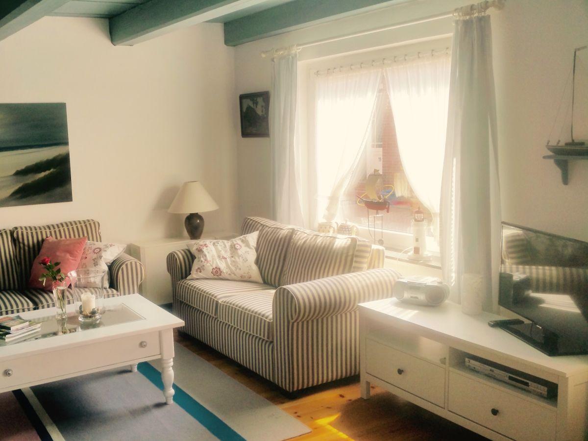 ofen wohnzimmer kosten:Ferienhaus Altes Friesenhaus Nesse, Nordsee Ostfriesland am