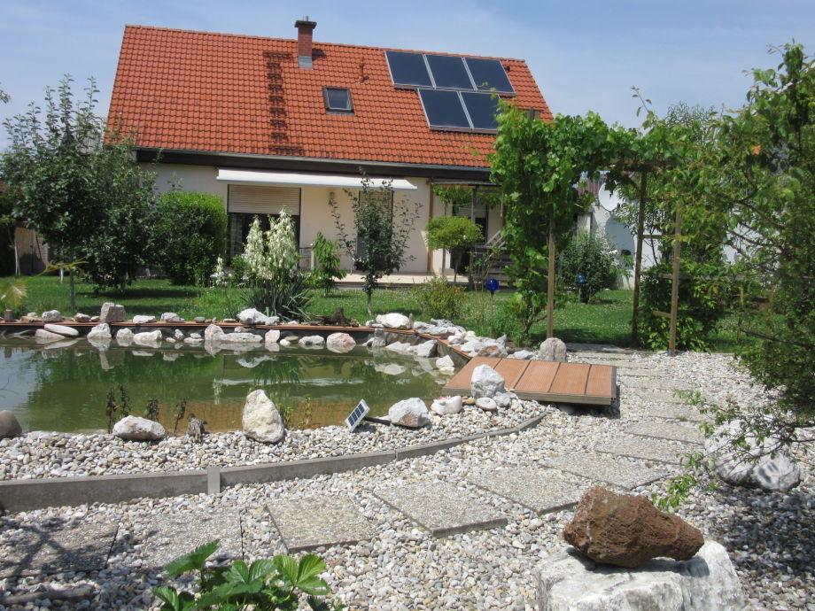 Haus aus Teichsicht
