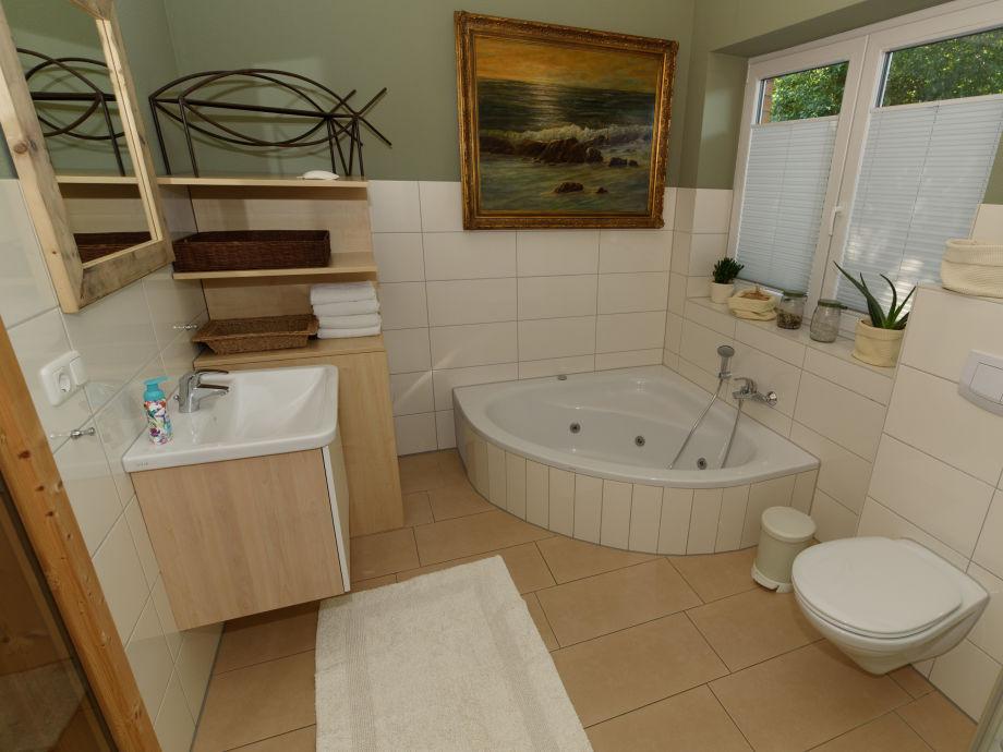 Badezimmer Mit Sauna Und Whirlpool