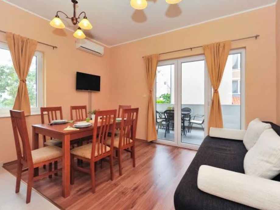 Wohnzimmer im Apartment Kruno