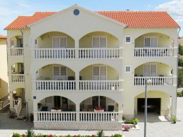 Apartment Klaudio