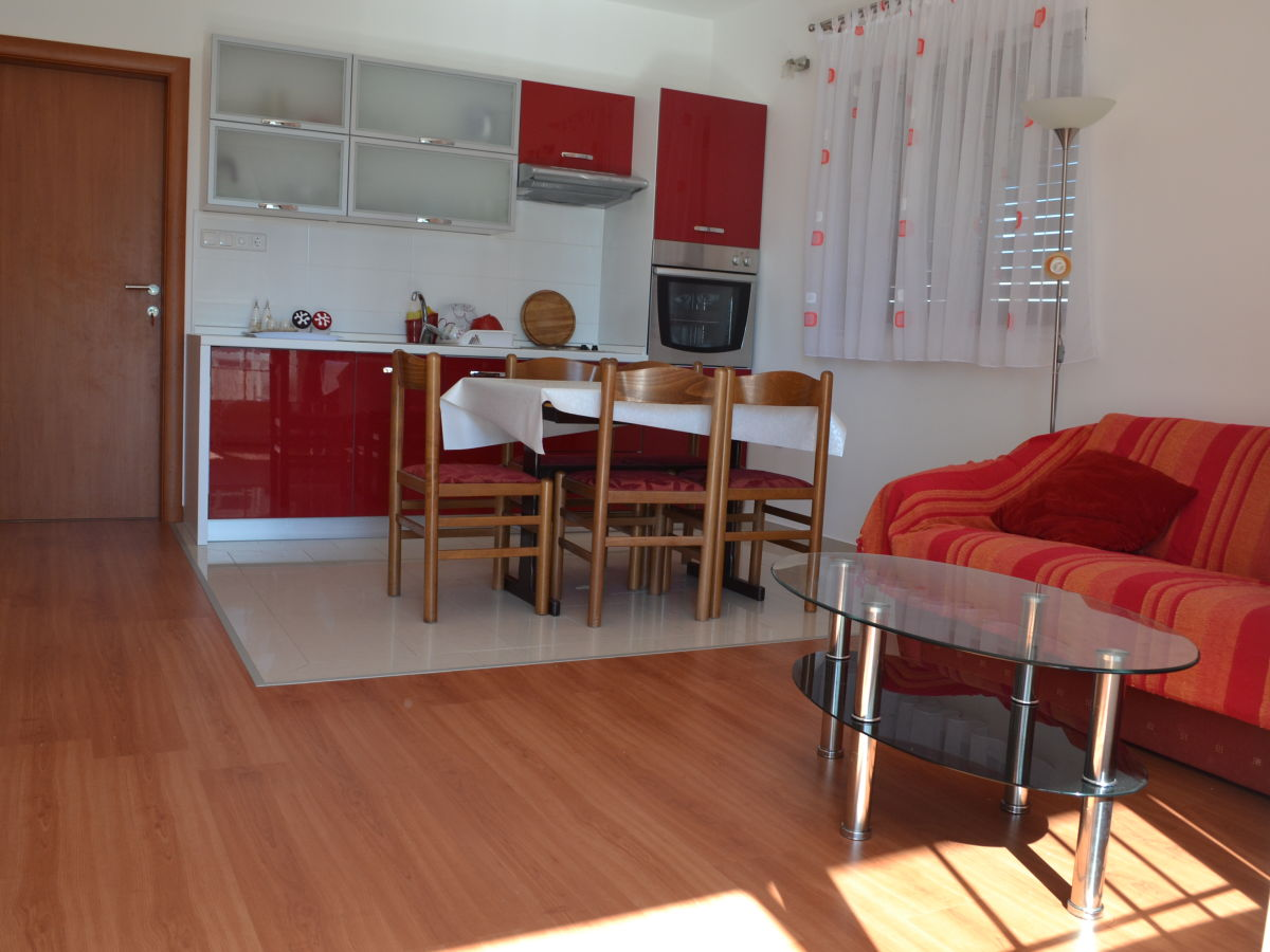 apartment mario srima firma aditus mare tourist agency herr zvonimir silov. Black Bedroom Furniture Sets. Home Design Ideas