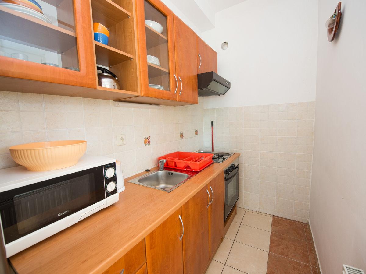 ofen wohnzimmer kosten:Ferienwohnung Davor, Vodice – Firma Aditus Mare Tourist Agency – Mr