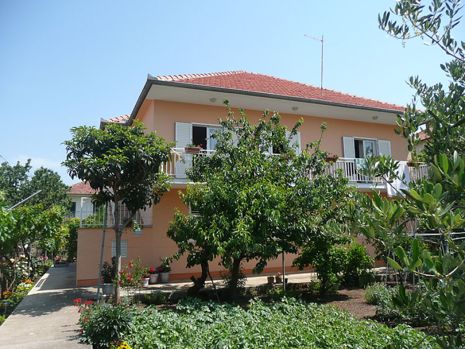 Holiday apartment house Neda 1