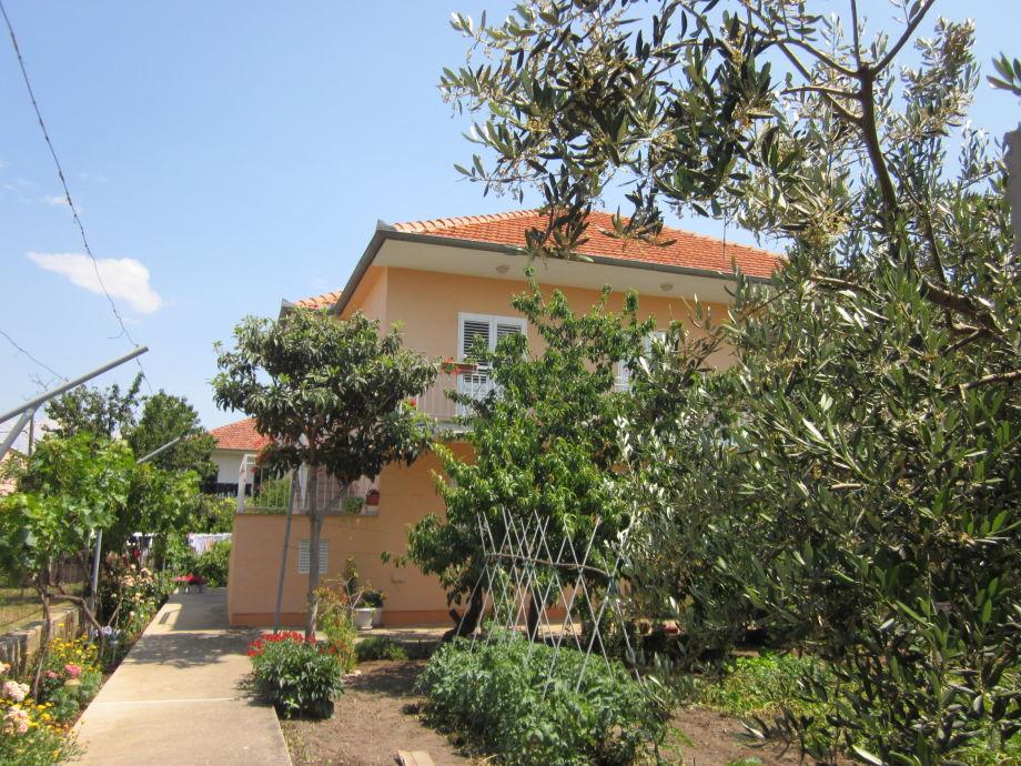 Holiday apartment Neda 2 - House