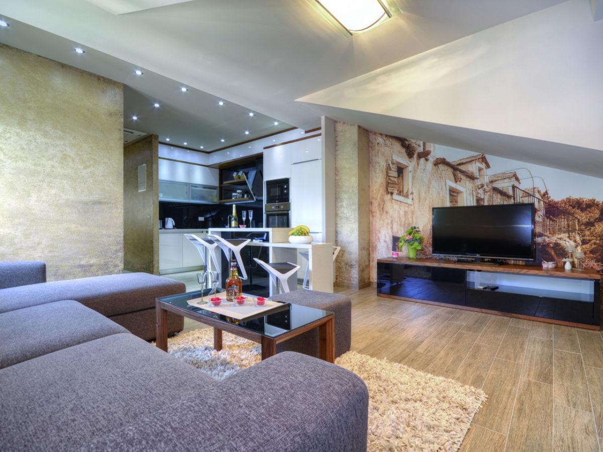 ferienwohnung anke dalmatien tucepi firma prominens d. Black Bedroom Furniture Sets. Home Design Ideas
