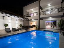 Villa Paladium mit Pool
