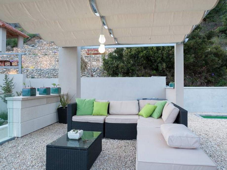 ferienhaus ritta makarska dalmatien firma prominens d o o frau dubravka paunovic. Black Bedroom Furniture Sets. Home Design Ideas