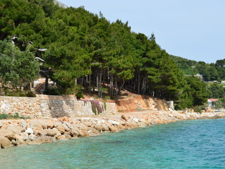Ferienhaus am Meer Nemira, Dalmatien, Omis - Firma ...
