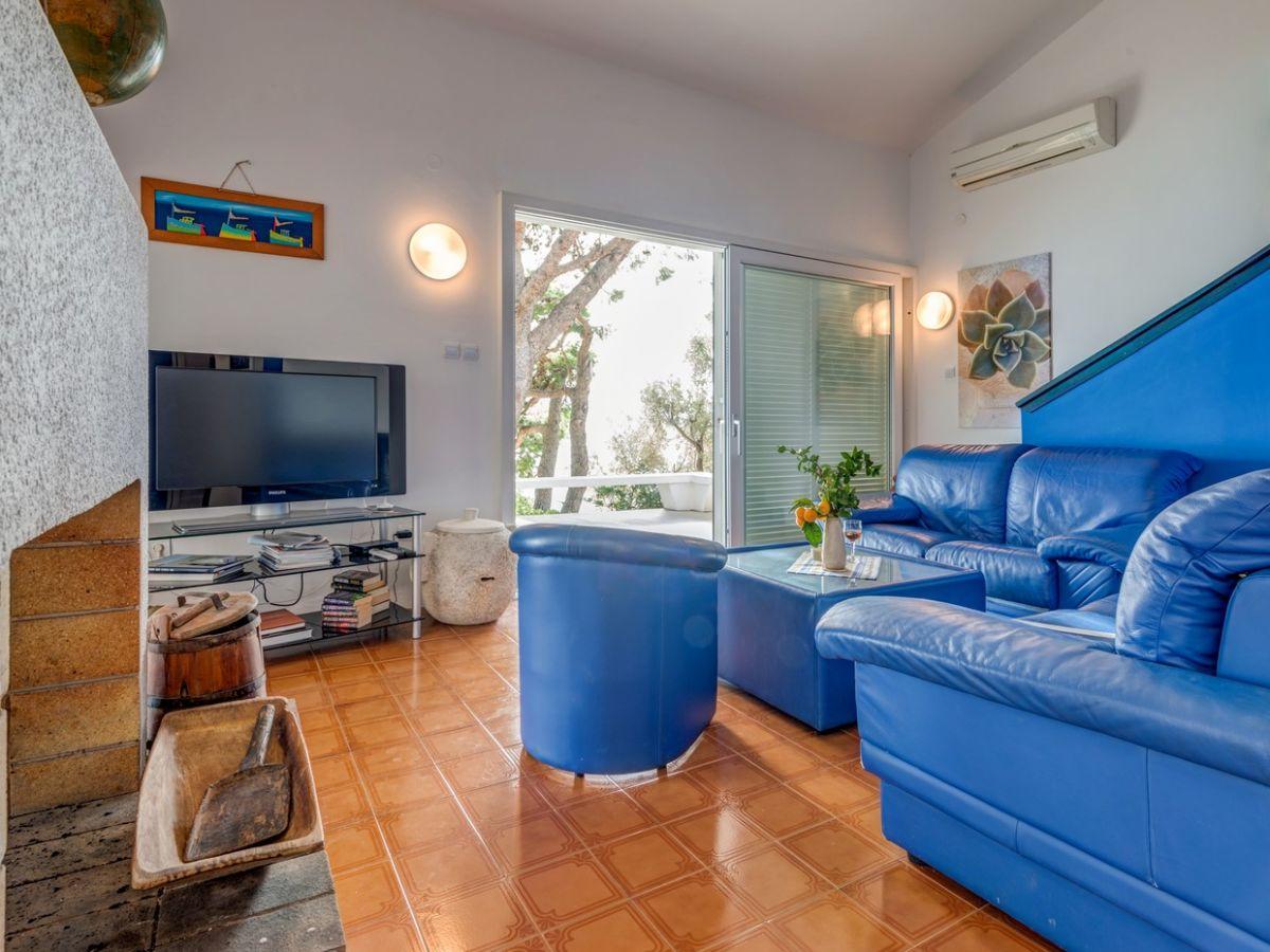 ferienhaus am meer nemira dalmatien omis firma. Black Bedroom Furniture Sets. Home Design Ideas