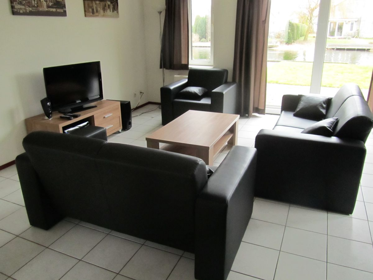 bungalow kleine vliet ijsselmeer medemblik firma. Black Bedroom Furniture Sets. Home Design Ideas