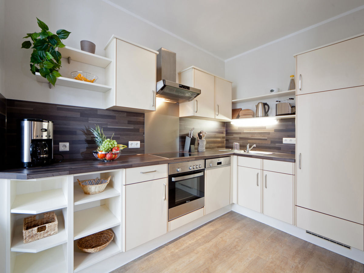 Ferienwohnung traumzeit ii in der villa freia binz firma for Kuchenzeile komplett