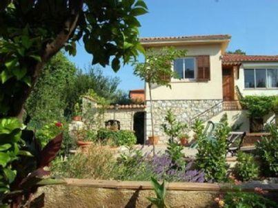 im Haus La Tonnelle mit Garten, strandnah