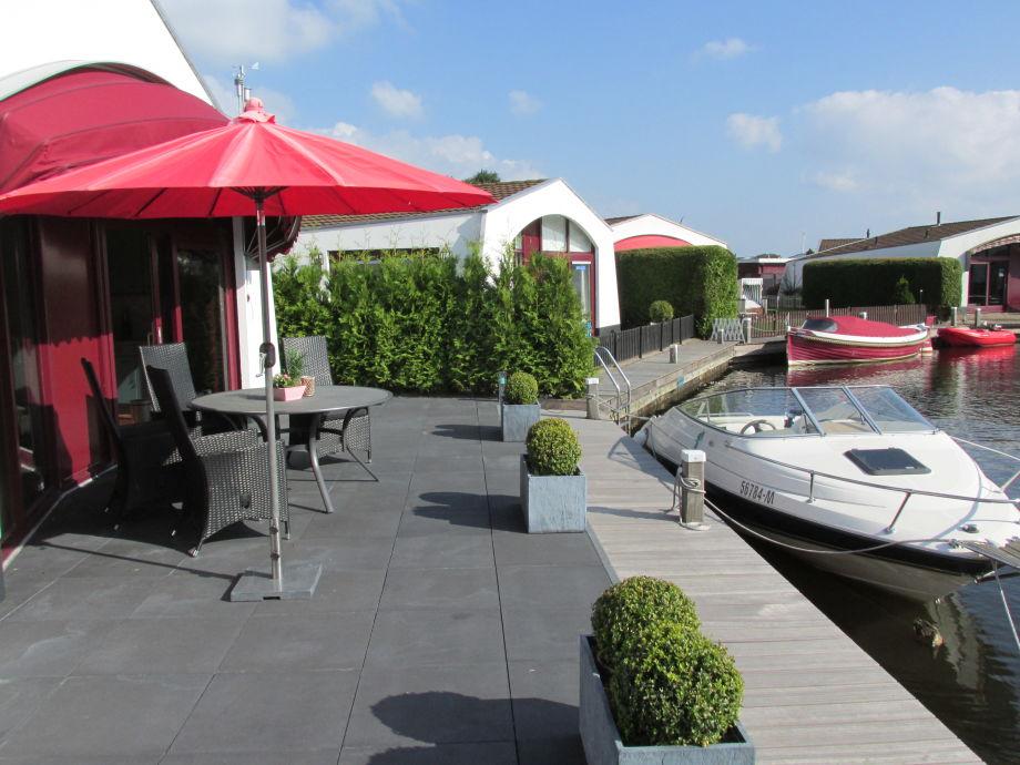 Ferienhaus aqua dreams direkt am wasser ijsselmeer for Ferienhaus mieten