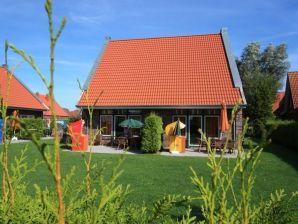 Ferienhaus Zonnemaire im Ferienpark De Achthoek