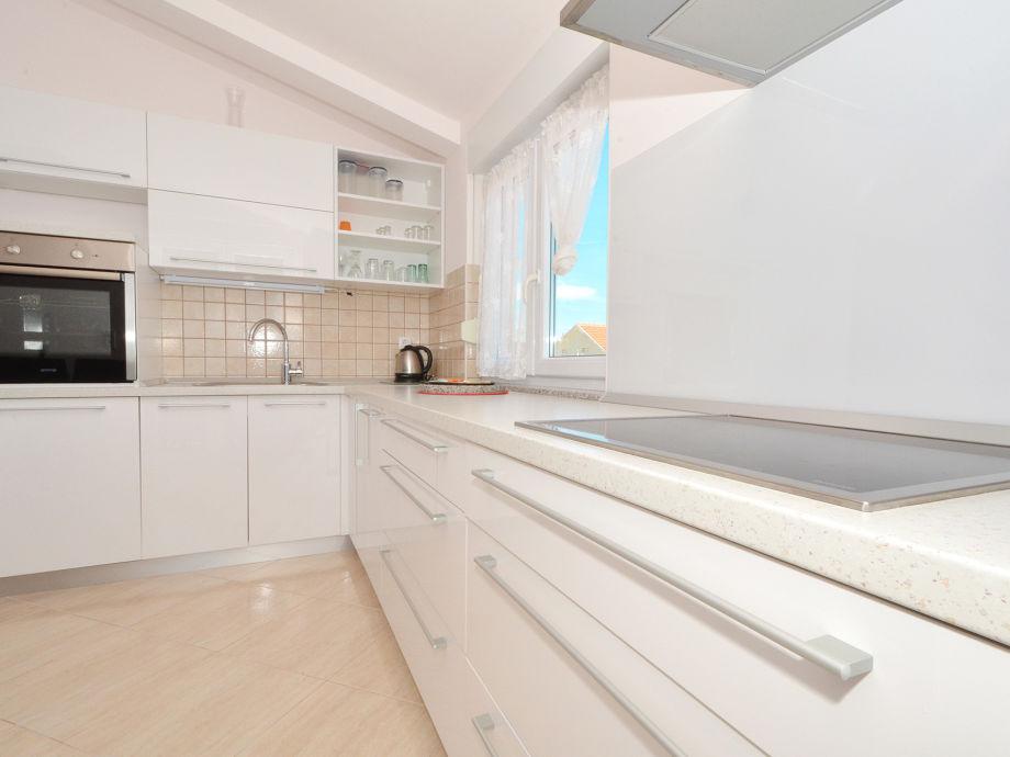 Apartment Nada 2, Okrug Gornji, Trogir, Dalmatien, Kroatien - Firma ...