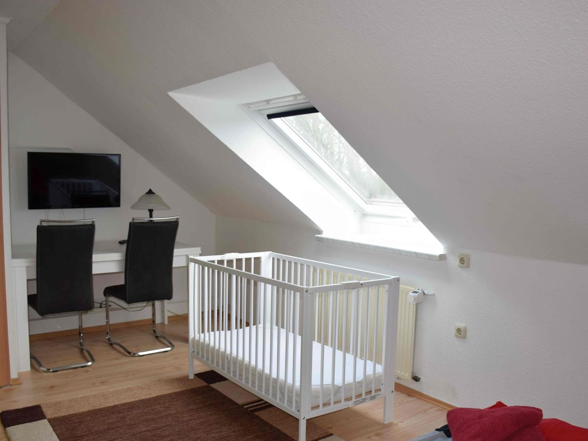 Schlafzimmer im OG - bei Bedarf mit Babybett 2tes Badeszimmer (DU/WC ...