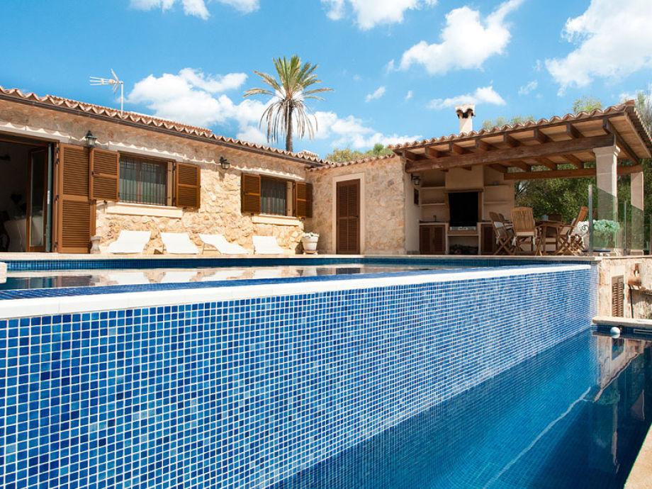 Ferienhaus Maties mit Pool