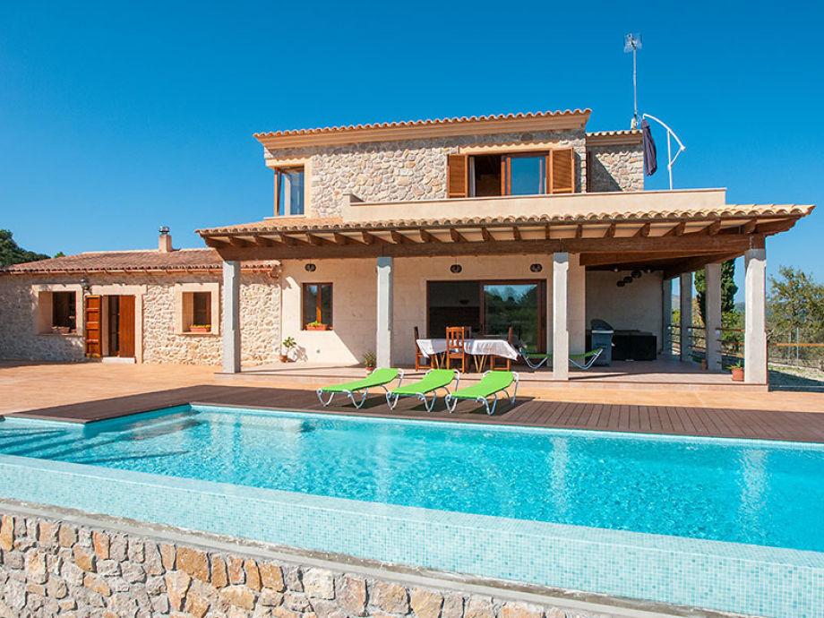 Blick auf das Ferienhaus Sard