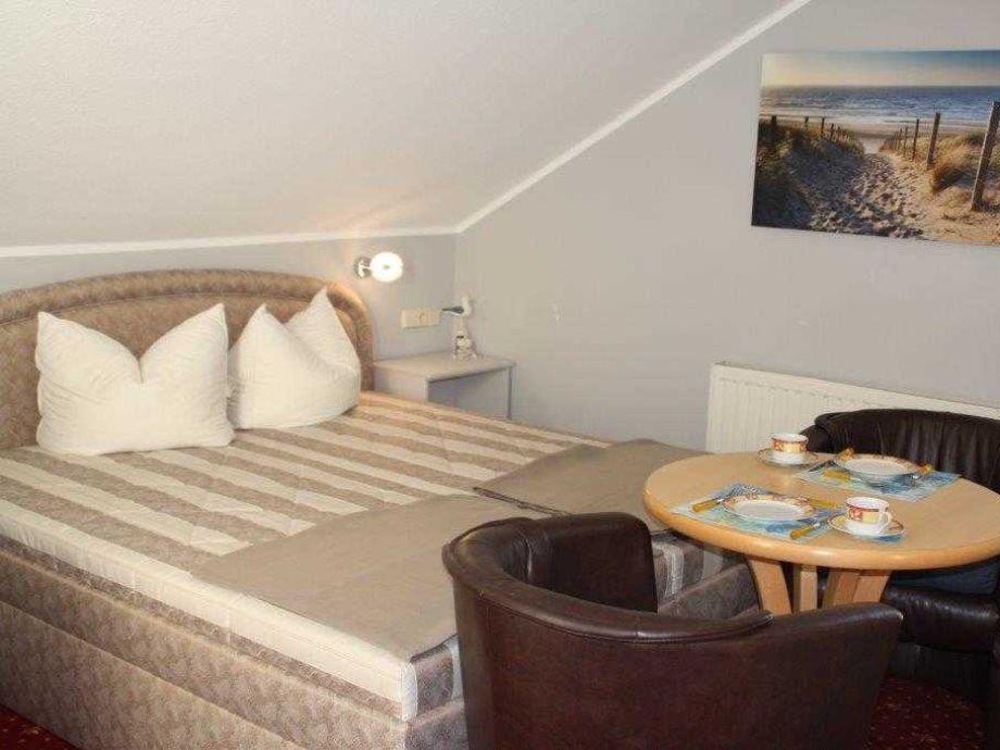 ferienwohnung in der yachthafenresidenz ostsee k hlungsborn firma k hlungsborner. Black Bedroom Furniture Sets. Home Design Ideas