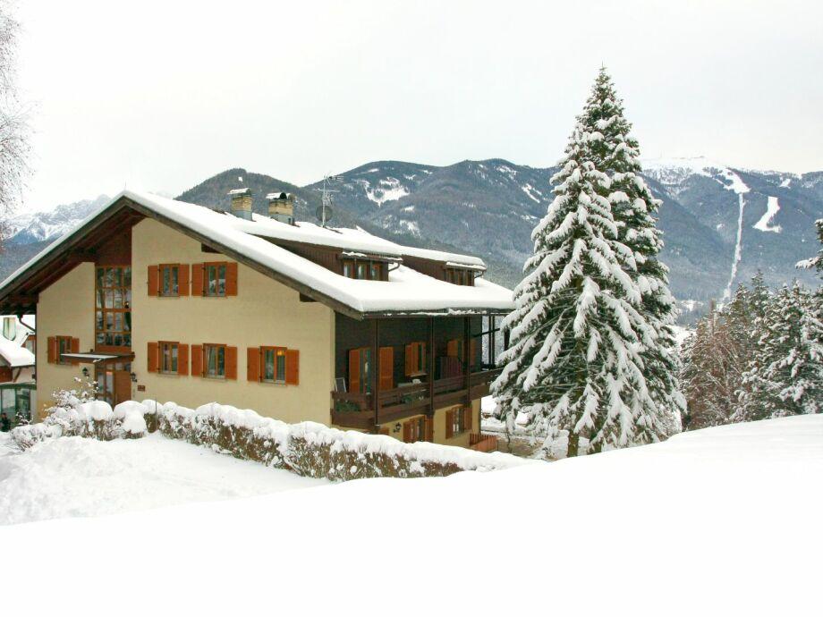 Appartement Suites Berna - Außenansicht Winter