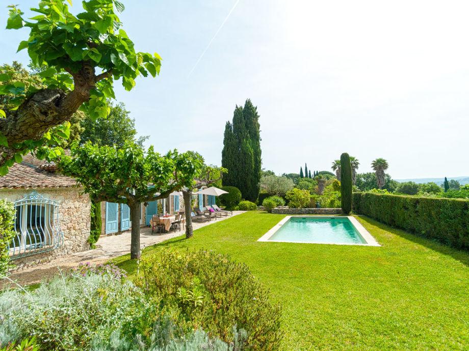Ferienhaus mit privat Pool und Garten