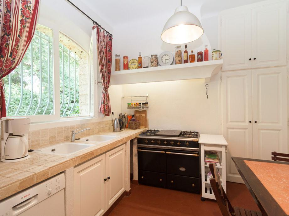 ferienhaus mit privatem pool unterhalb von grimaud c te d 39 azur grimaud firma marion. Black Bedroom Furniture Sets. Home Design Ideas