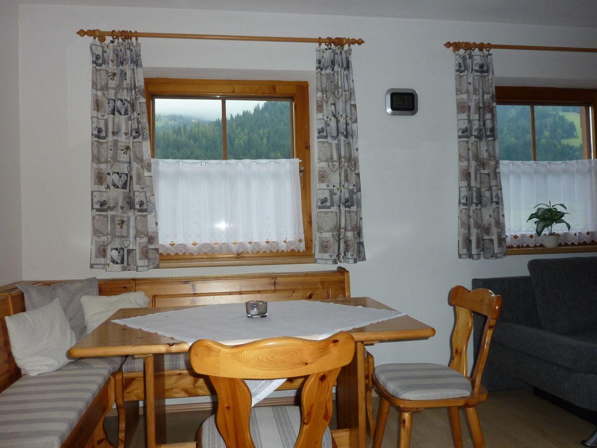 ferienwohnung schatzberg im haus moosanger wildsch nau tirol sterreich kitzb heler alpen. Black Bedroom Furniture Sets. Home Design Ideas