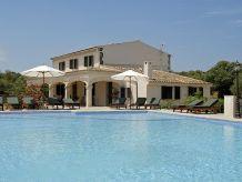 Villa Neuwertige Villa Son Perxa mit Pool | 44204