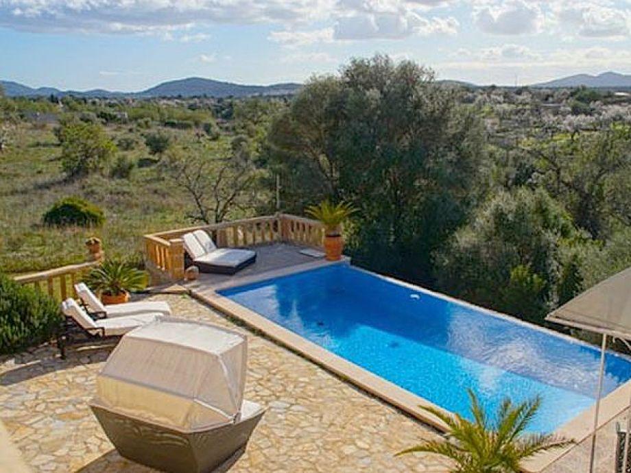 Finca Artista mit schönem Blick und Pool bei Artà