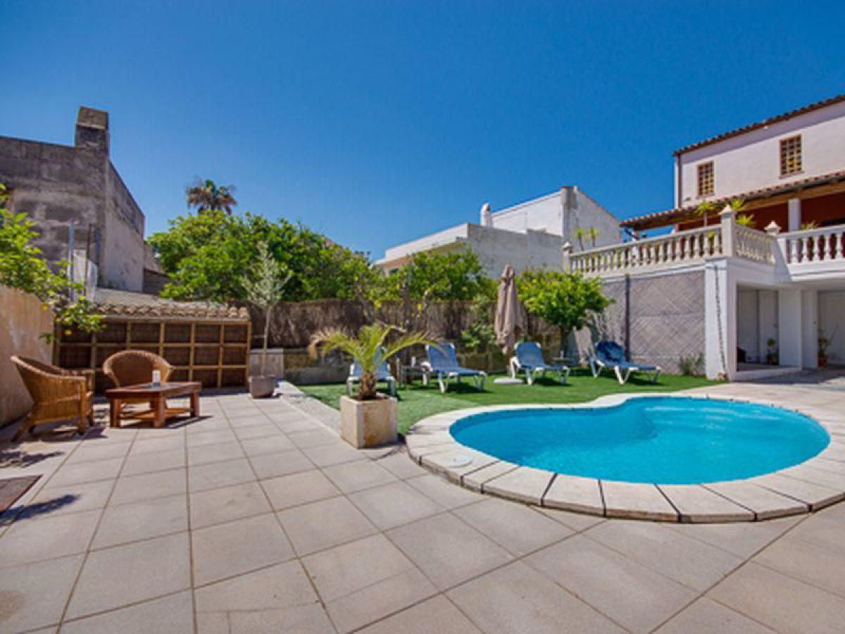 Villa casa kiko capdepera mallorca nordosten firma for Ferienhaus mit pool