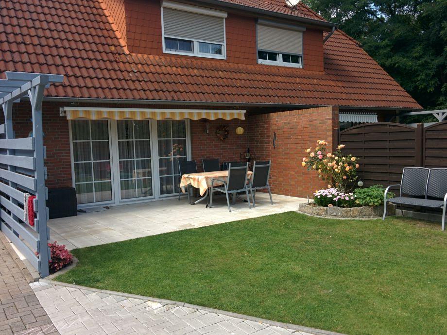 Terrasse und Bank Ferienhaus hinterm Deich