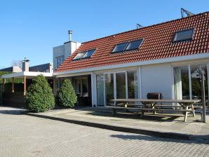 Ferienhaus Hopman de Rijklaan 6