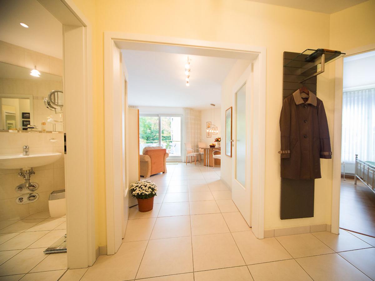 ferienwohnung 4 jahreszeiten in der villa am kurpark binz r gen firma appartement. Black Bedroom Furniture Sets. Home Design Ideas