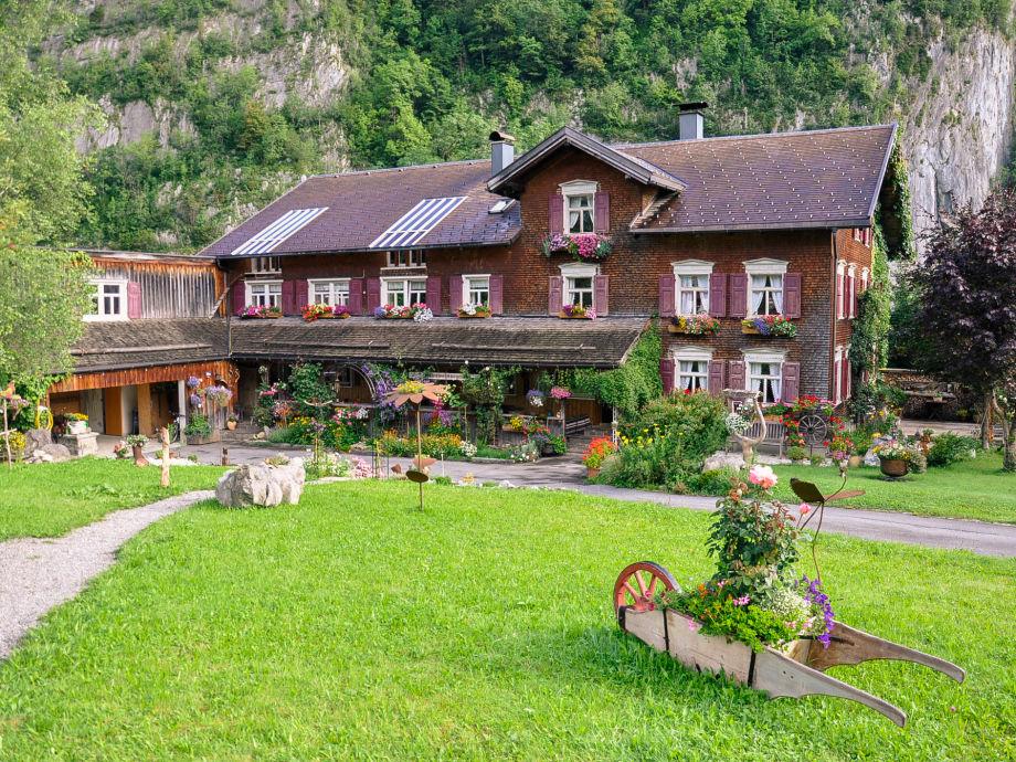 Haus im Sommer 2