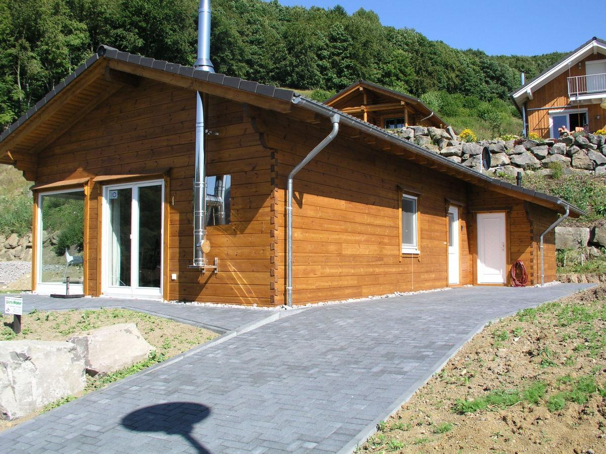 ferienhaus traumhaus am see 2 deutschland eifel vulkaneifel waldsee rieden firma traumhaus. Black Bedroom Furniture Sets. Home Design Ideas