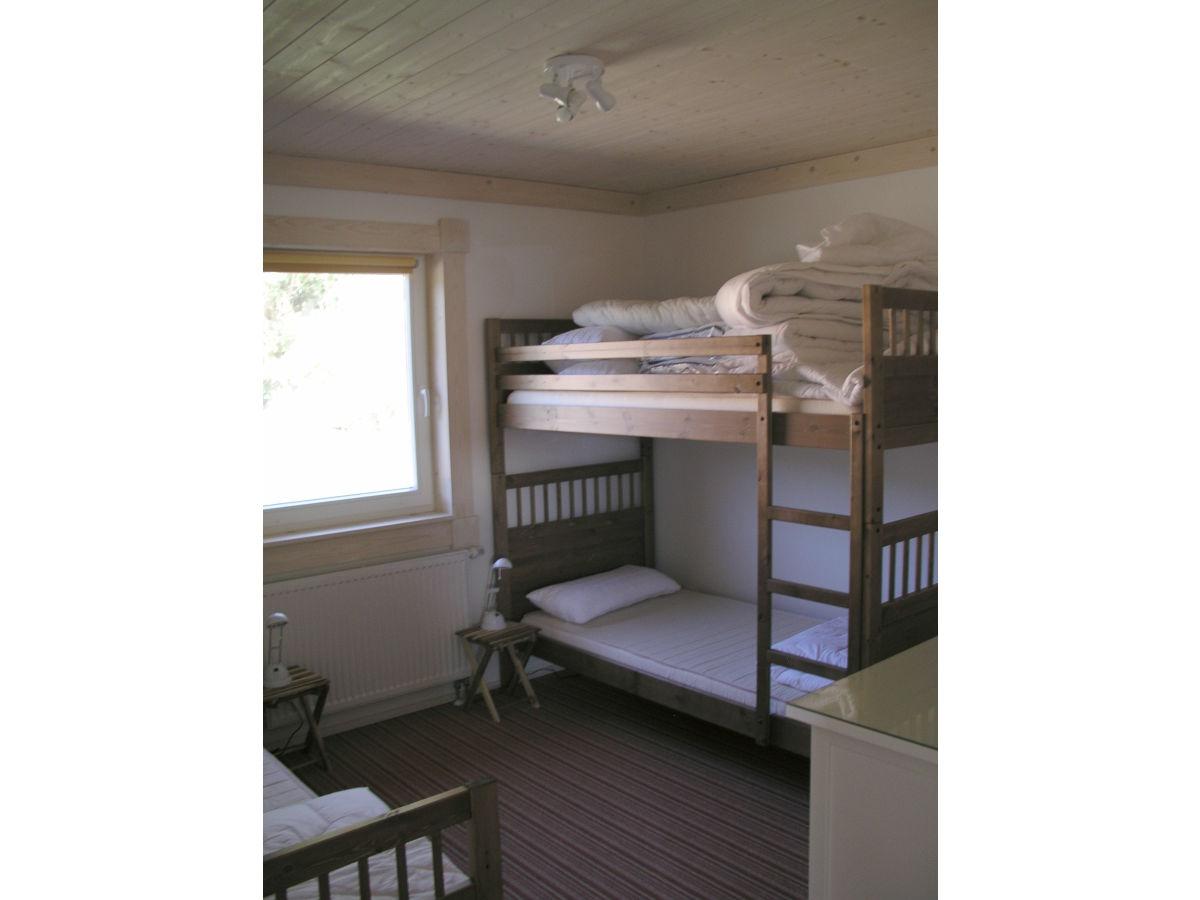 betten f r jungs coole betten f r jungs und junge m nner. Black Bedroom Furniture Sets. Home Design Ideas